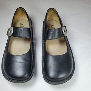 Allegria Leather Mary Jane shoes. Sz 38/7.5-8.
